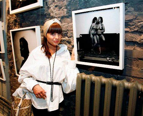 Фото с выставки никишина голая правда