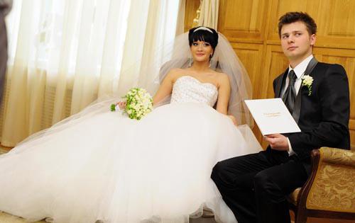 Свадьба бушиной фотографии девушка модель реабилитационной работы